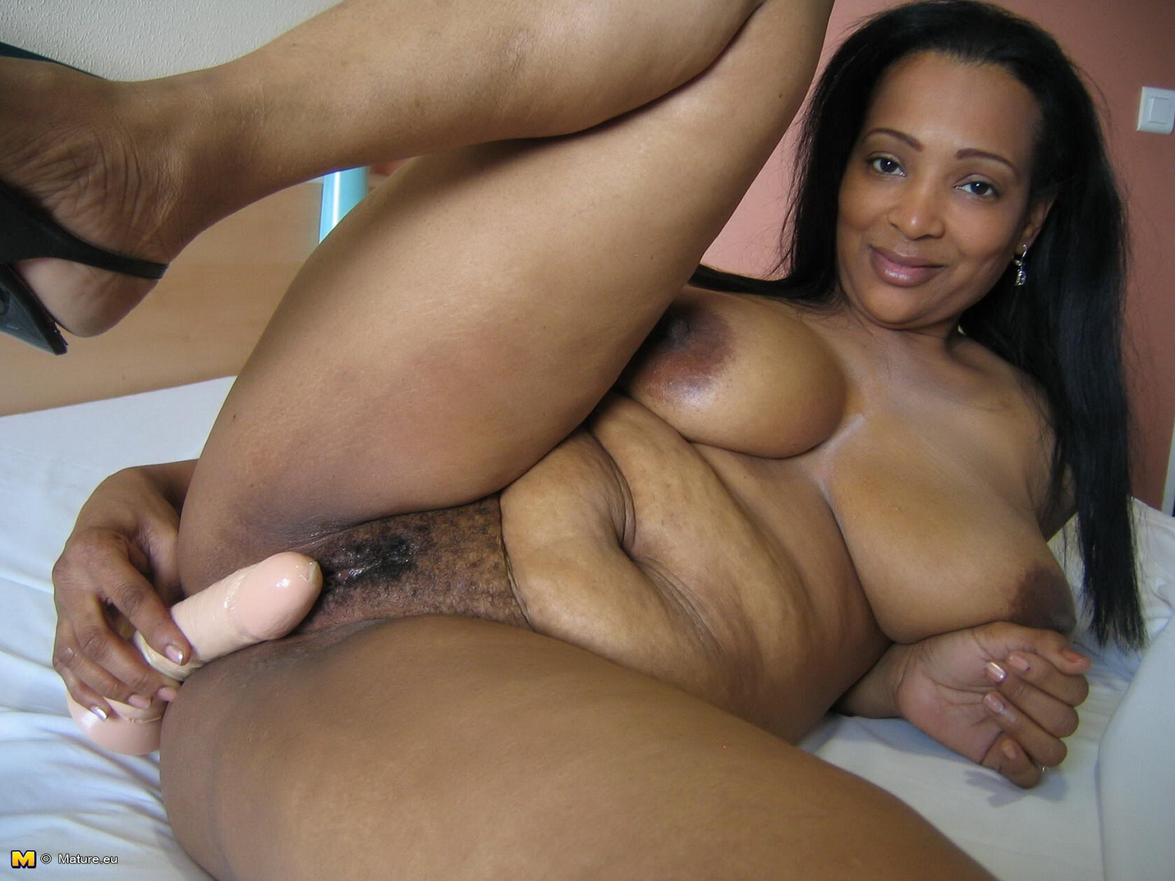 Think About Joining Ebony Grannies On Live Cam Sessions?