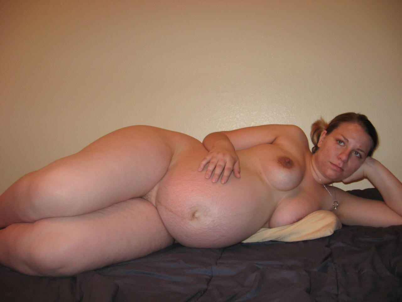 Do Cams With Pregnant MILFs Get More Visits?