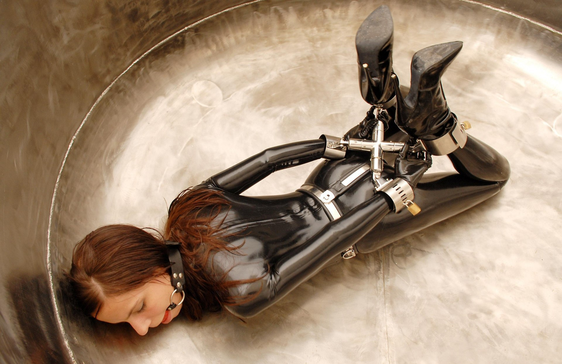 Try Edging With Young Girls Indulging Into BDSM On Live Cams