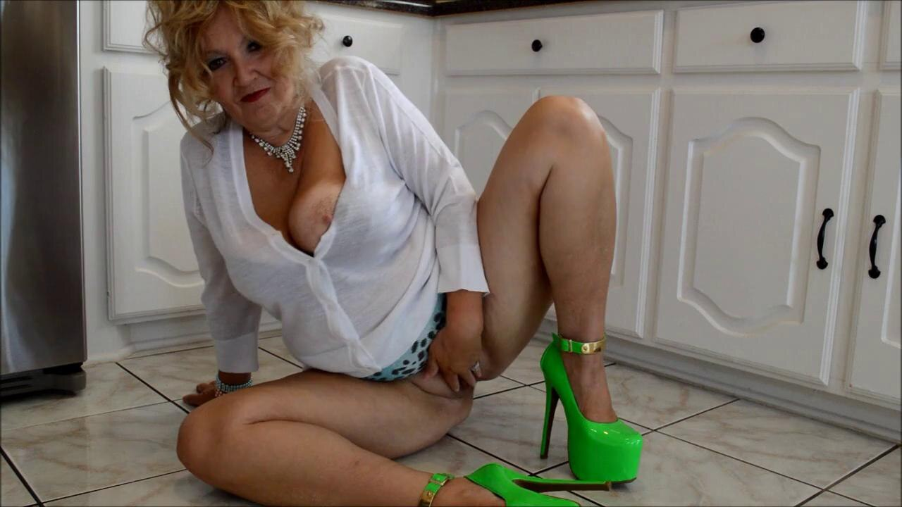 Granny Masturbation Will Turn You On In A Jiffy! Get On The Cam