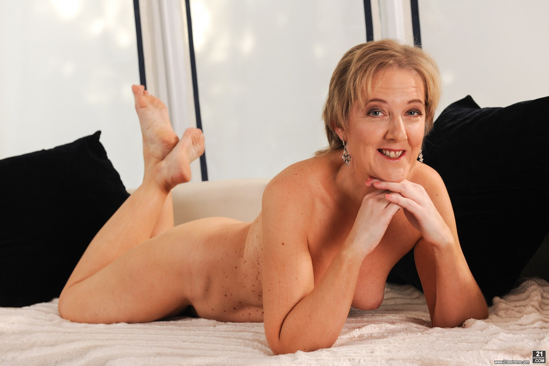 Can Grannies Striptease You Till You Cum On Cam?
